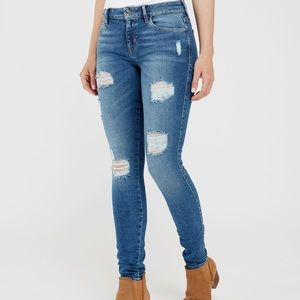 GUESS Sexy Curve Skinny Jean